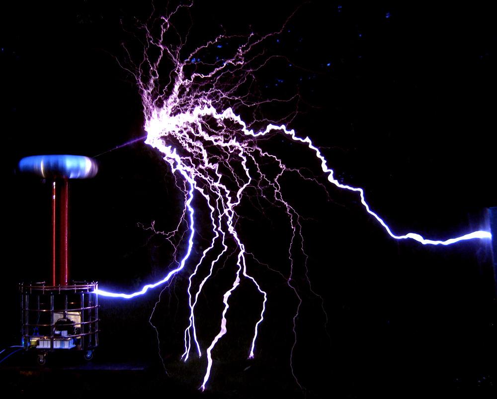 ZX-115 Tesla coil 1 million volts 1,000,000 Volts lightning bolts